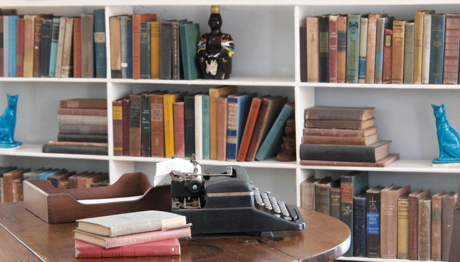 Hemingway's Library