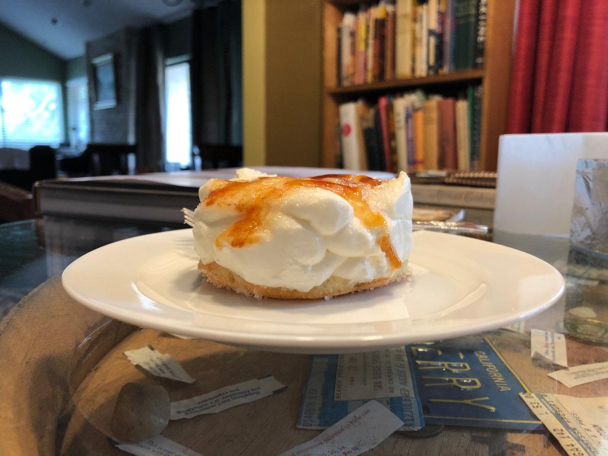 Cotton-soft cheesecake
