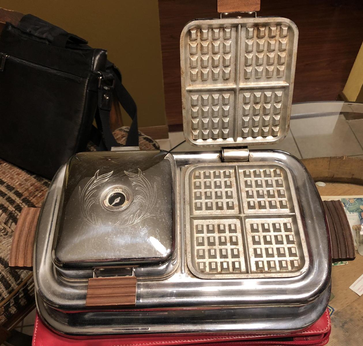 Dominion waffle iron 1350