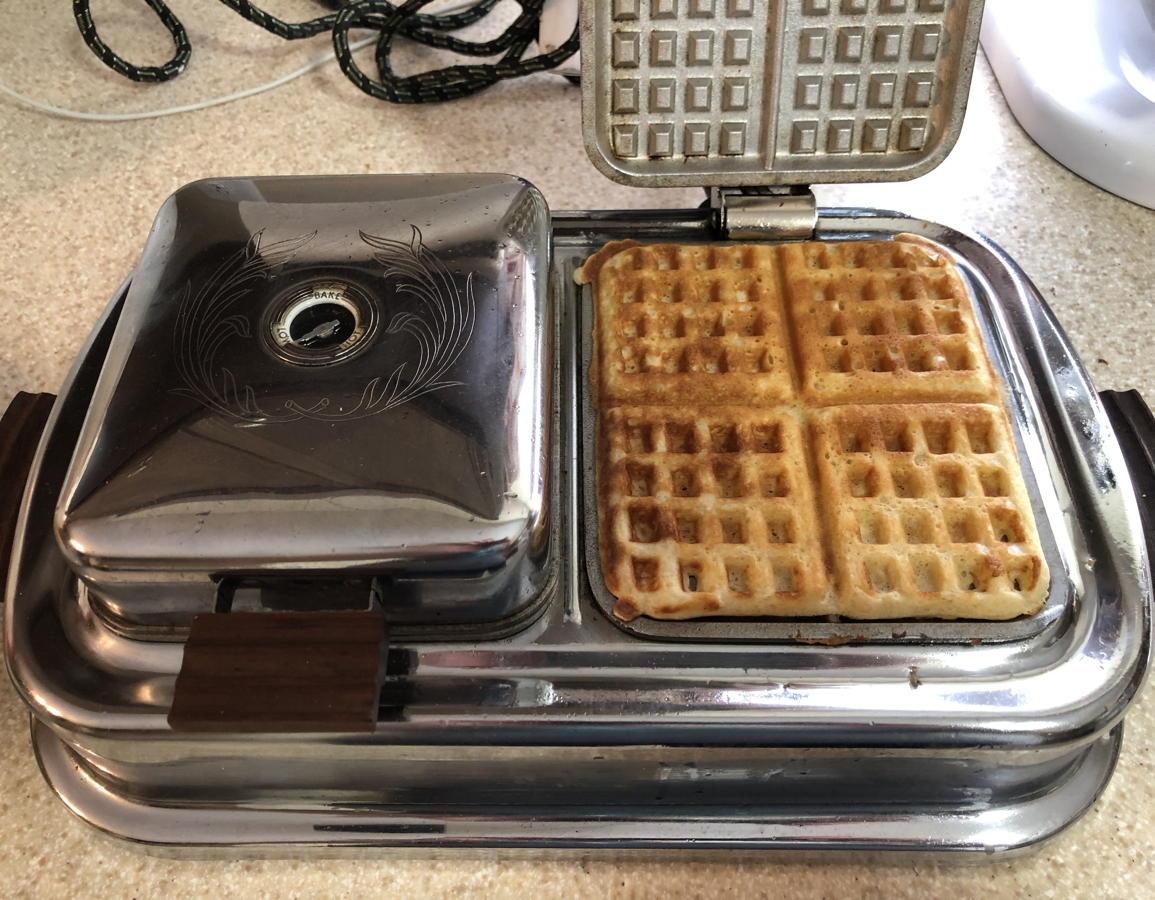 Light waffle on the waffle iron