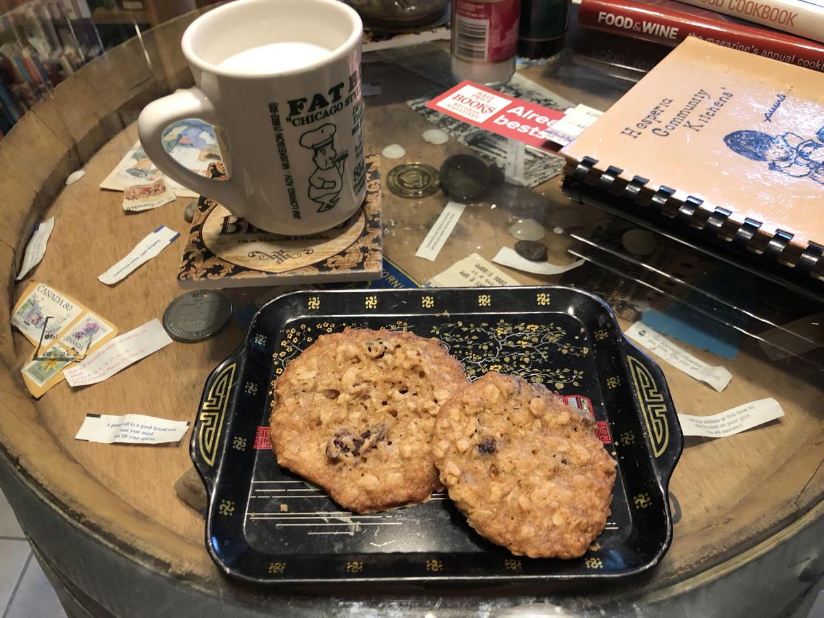 Peanut oatmeal crunchies