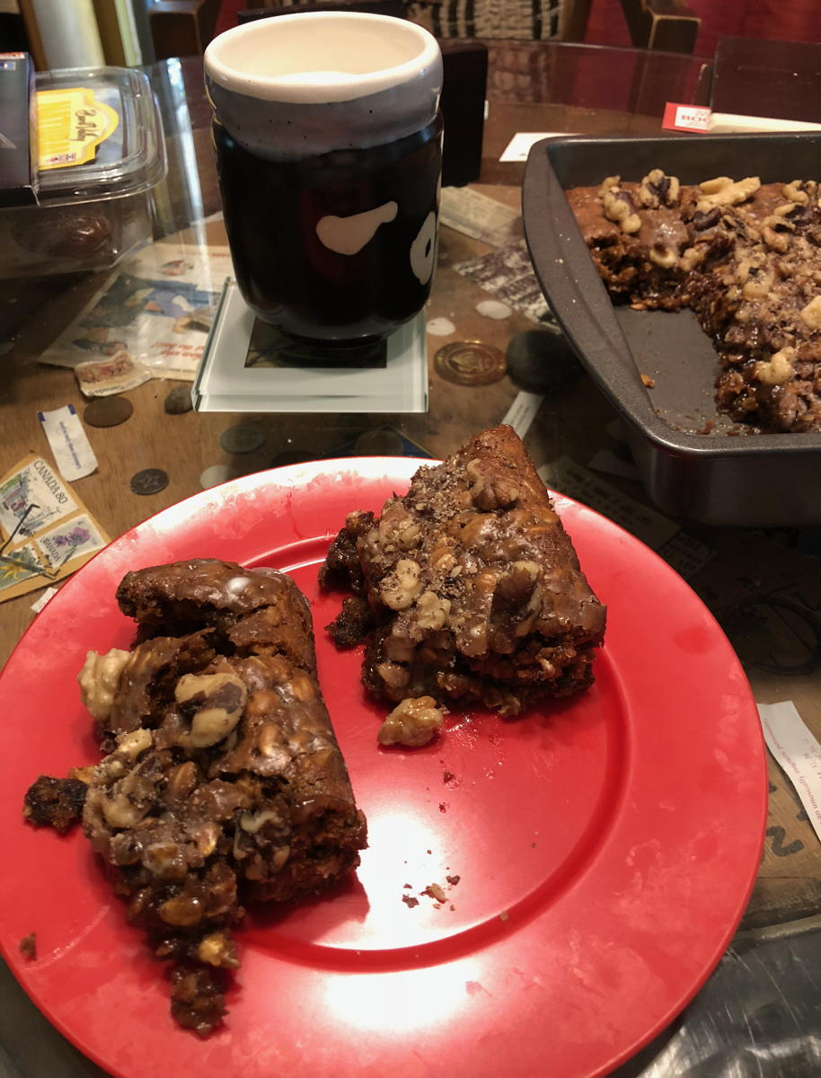 Molasses raisin bars