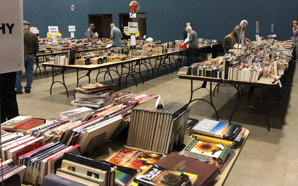 New Braunfels Library booksale