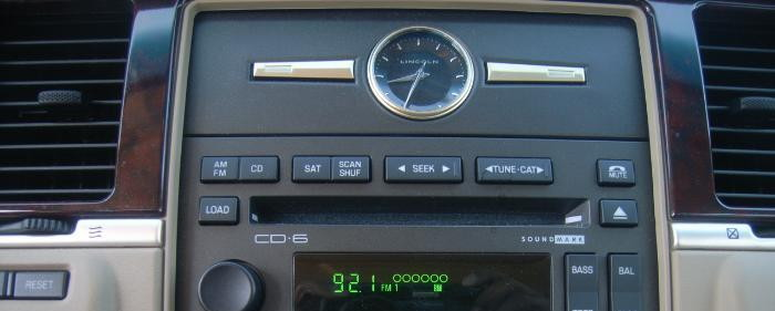Lincoln Town Car clock